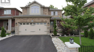Beautiful house for sale in Desirable doonsouth kitchener