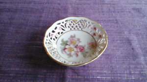 Gorgeous Bavarian hand painted fretted pin bowl - 4 inches