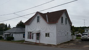 5 Bedroom House - Bryson, Quebec (Town by the Ottawa River)