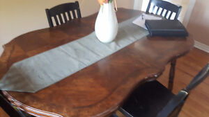 TODAY ONLY Beautiful table and chairs Cambridge Kitchener Area image 2