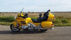 2001 1800 ABS Goldwing Rare Hot Rod Yellow