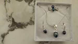 LBVRY Tahatian Pearl Set: Earings, Necklace / Pendant And Ring