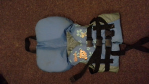 "child ""finding Nemo"" life jacket"