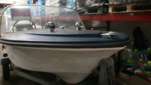 Cheap boat motor and trailer