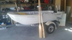 Boat Sundolphin, new, with wood paddels, iron paddels attachs