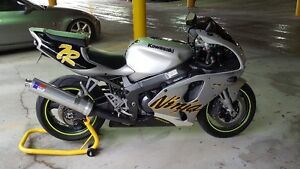 Excellent condition zx7r