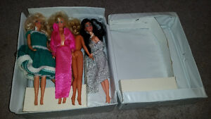 40 year old barbie 3 doll trunk for sale...........ONLY 19$..... London Ontario image 3