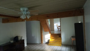 SAVE $400 per Month Horse Stable ,2 Bed Room House, 5.8Acres