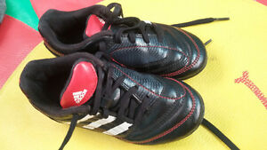 soccer shoes size 11