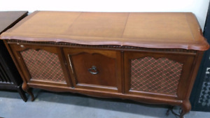 Nice  cabinet style radio and record player