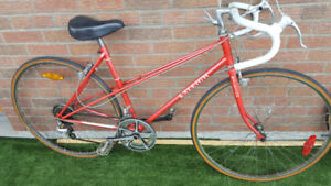 MINT Ladies Road Bike Raleigh {YongeLine Sbwy)