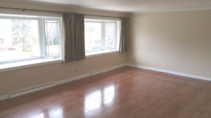 Orillia, Large 1Br Apartment