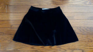 Figure Skating SKIRT - velvet - like NEW - Little girl SZ 4/5