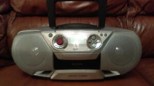 Philips tape/CD/MP3/am/fm player