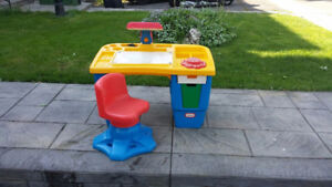 Little Tikes school desk for Toddlers and young children