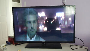 39 inches Samsung LED TV in good condition with HDMI cable