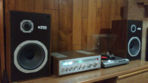 Yamaha Stereo System w/ Turntable