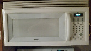 Fridge gas stove microwave Windsor Region Ontario image 2