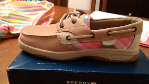 BRAND NEW Girls Sperry's  Size 3.5 Youth