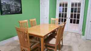 Dinning Table with 6 Side Chairs