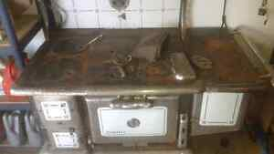 Old wood cooking stove London Ontario image 1