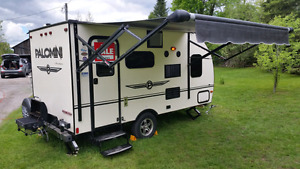 2015  Palomini 15' Lighweight Easy Access RV Towing Trailer MINT