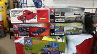 5 model cars - In Packages