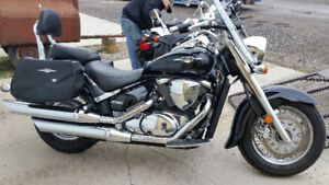 ESTATE SALE 2009 SUZUKI BOULEVARD 800 MOTORCYCLE, SADDLE BAGS,