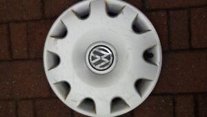 hubcap / enjoliveur 15 inch volkswagen Jetta Golf  1J0601147N