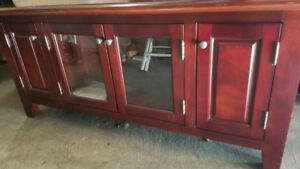MINT CONDITION TV STAND CHERRY COLOR WOOD CABINET