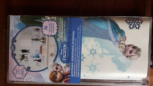 Disney FROZEN wall decal BNIB