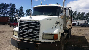 Mack Truck for Parts or buy whole