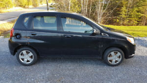 2010 Chevy Aveo, really low kilometers has remote car starter.