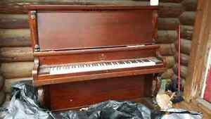 Free piano Kawartha Lakes Peterborough Area image 4