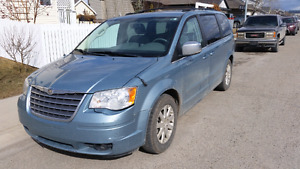 Low Mileage Chrysler Town & Country