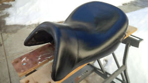 Richs Custom Leather Seat for BMW R1200-RT