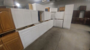 40+ New Kitchen Cabinet Sets - Auction Closes June 27th
