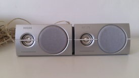 2 x Free mini Philips Speakers.