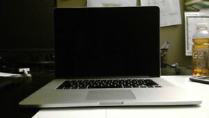 "15"" Macbook Pro i7 16 GB RAM 256GB SSD MINT"
