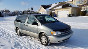 Reduced - 2000 Toyota Sienna LE - ORIGINAL OWNER