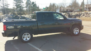 2008 Dodge Dakota SXT.Low mileage V6