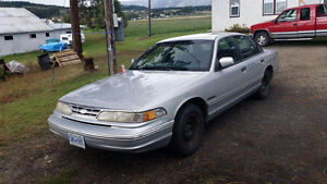 1996 Ford Crown Victoria Sedan Downtown-West End Greater Vancouver Area image 1