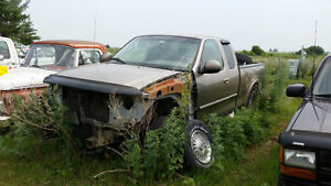 PARTING OUT: 2002 FORD F150 XLT * SUPER CAB * 4X4 *