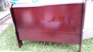 QUEEN WOODEN CHERRY BEDFRAME