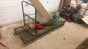 Trapper style ice fishing sleigh