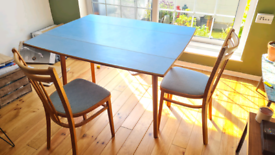 Retro blue table & x4 matching chairs.