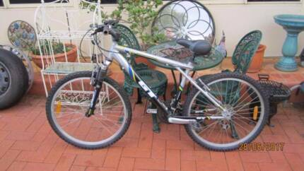 GT Mountain Bike in Great Condition,  Size M Frame