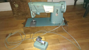 SINGER Sewing Machine from 1950s.