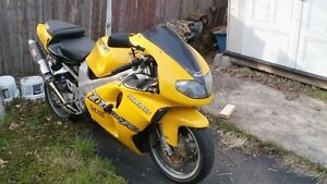 For sale T L 1000 R