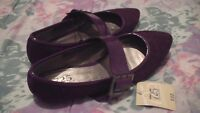 NEW with tags, ladies dark purple shoes size 9 $3 or both for $5